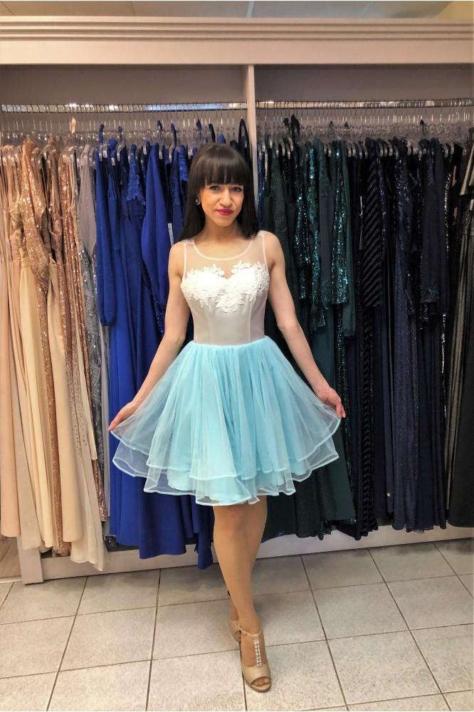 Krátke spoločenské šaty s tylovou sukňičkou
