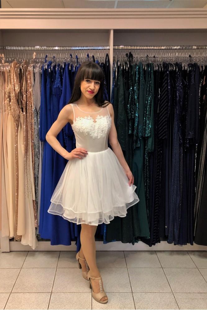 Biele spoločenské šaty s tylovou sukňou