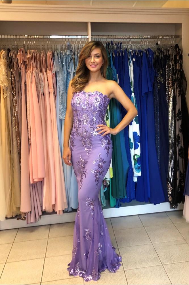 Dlhé fialkové obtiahnuté šaty s flitrami
