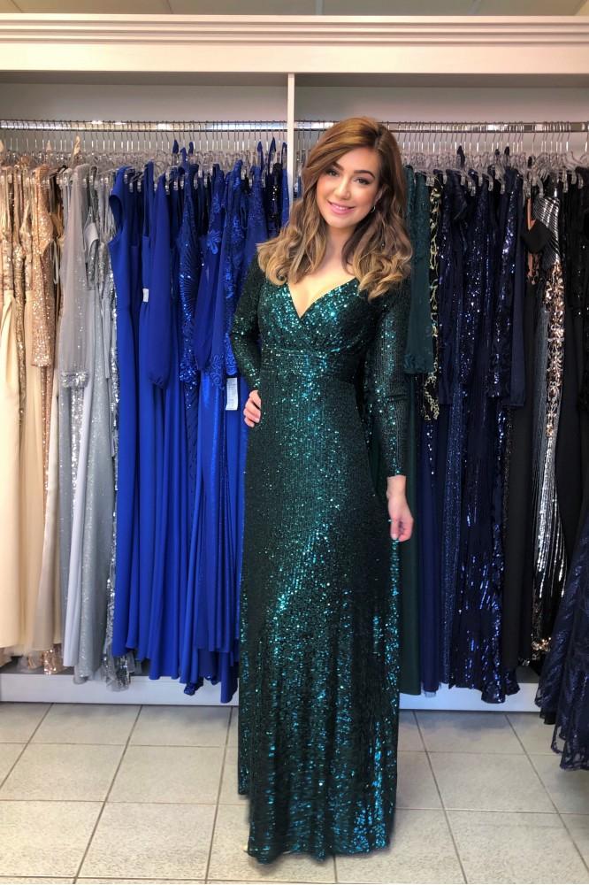 Dlhé zelené spoločenské šaty s padavou sukňou