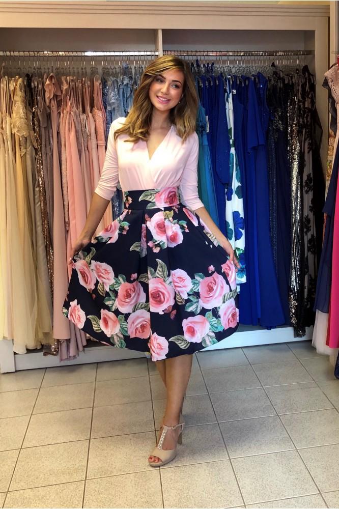 Krátka tmavo-modrá suknička s ružami