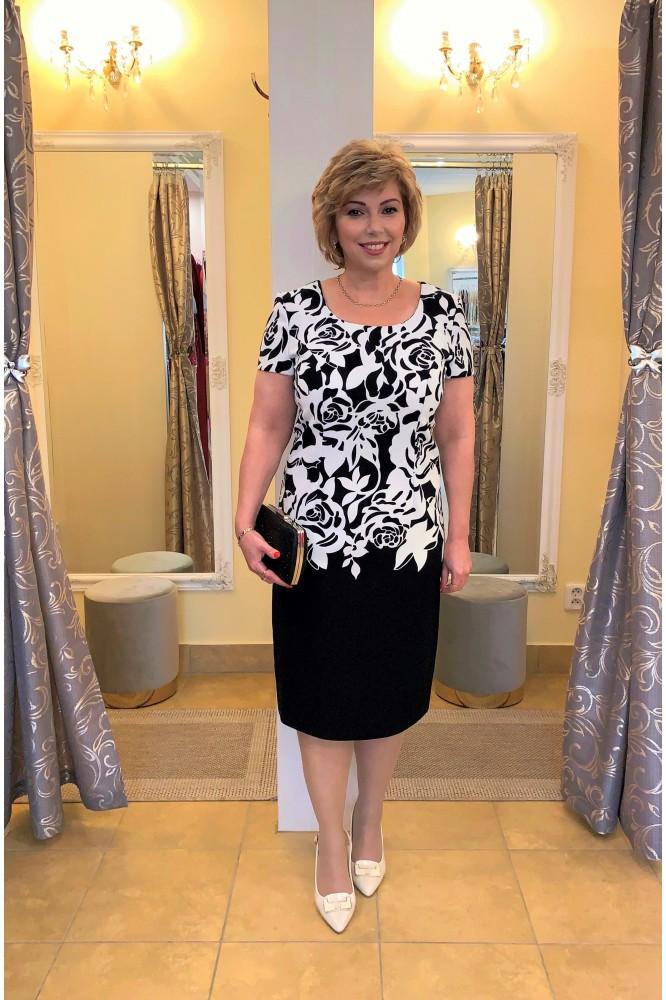 Čierno-biele elegantné šaty so vzorom