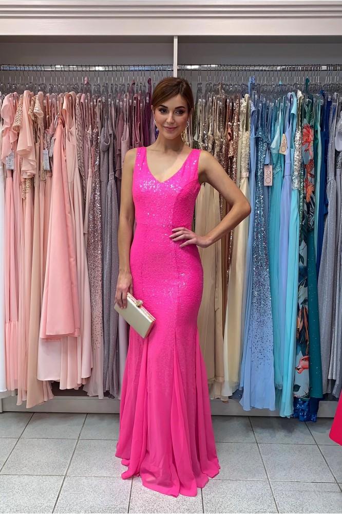 Dlhé ružové spoločenské šaty priliehavého strihu