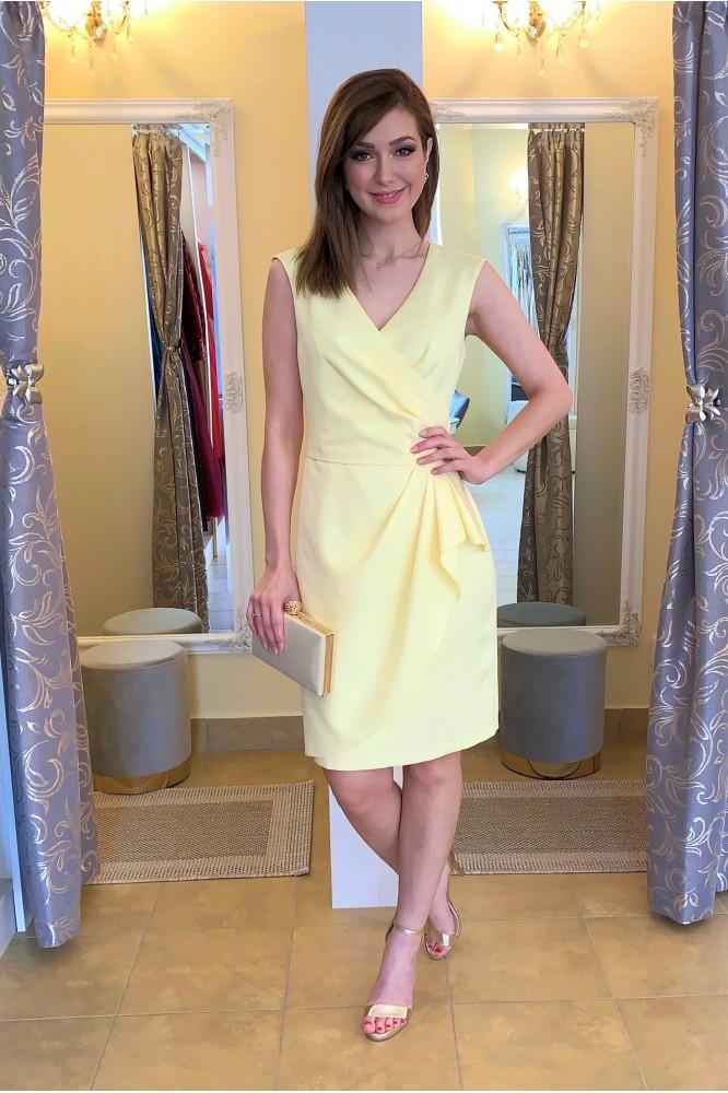 Krátke žlté spoločenské šaty bez rukávov