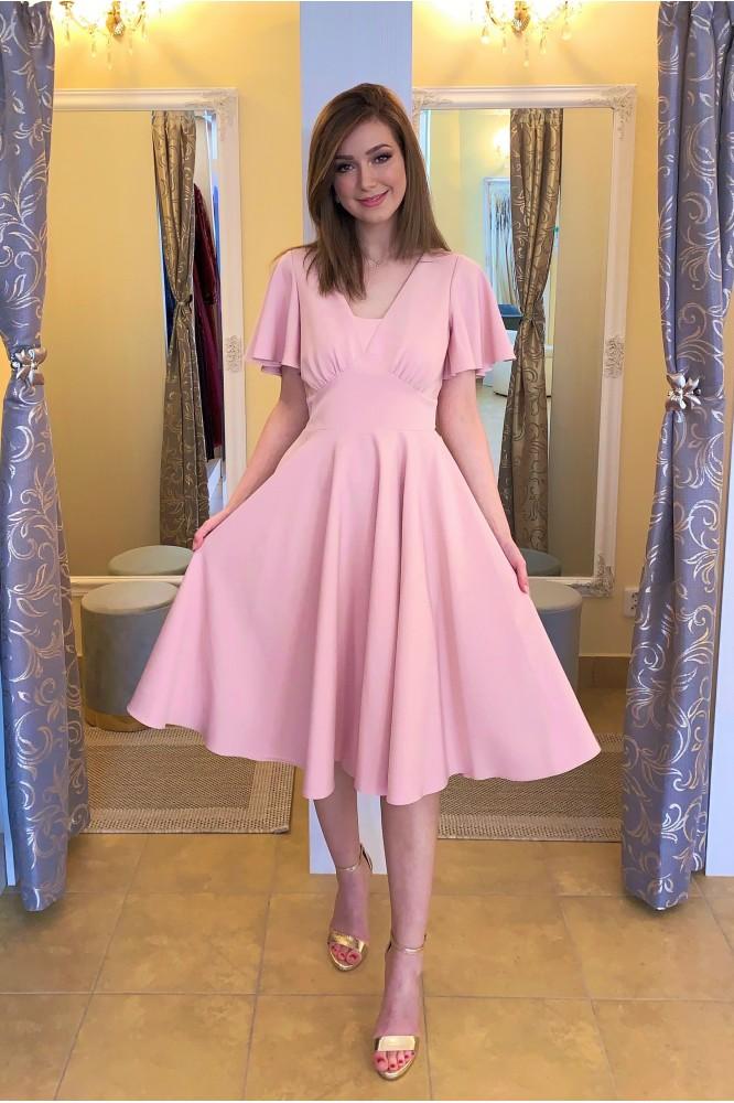 Ružové spoločenské midi šaty na svadbu