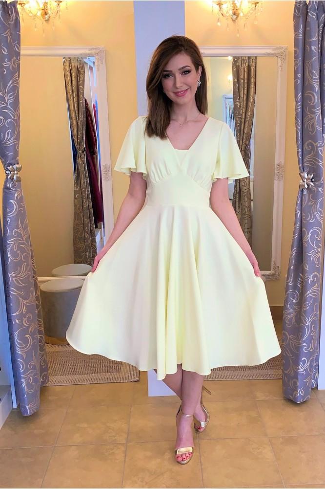 Žlté spoločenské midi šaty na svadbu