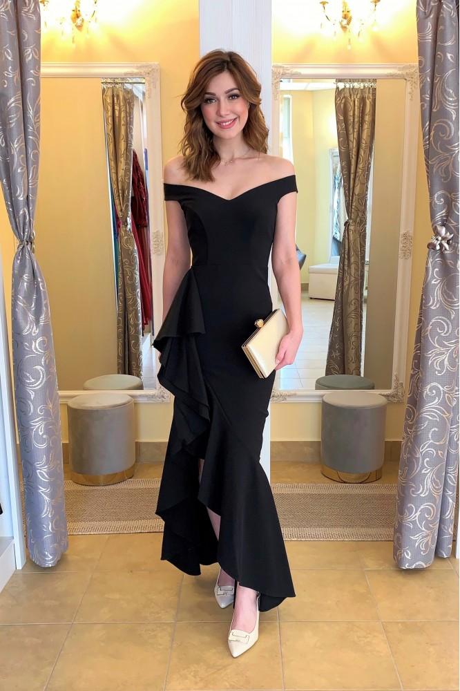 Asymetrické čierne spoločenské šaty s volánom