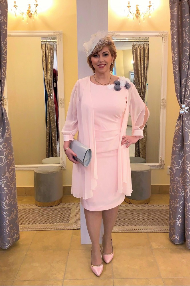 Svetlo-ružový spoločenský kostým Svadobná mama